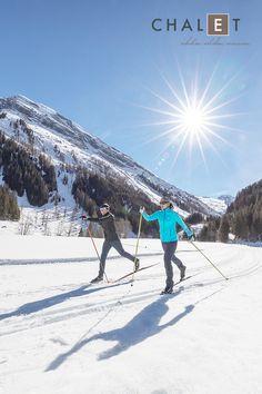 Langlaufen macht den Kopf frei und fordert den ganzen Körper. Freunde des Langlaufsports können das Zillertal bei einer Tour auf der Loipe kennenlernen und auf den über 125 Loipenkilometern in verschiedenen Schwierigkeitsgraden für Skating und Klassisch erkunden. Erleben Sie es selbst und buchen Sie gleich Ihren Traumurlaub im Winterparadies Zillertal!  #chaletE #chalets #stumm #zillertal #urlaubindenbergen #winterparadies Winter, Mount Everest, Mountains, Nature, Travel, Chalets, Long Distance, Getting To Know, Paradise