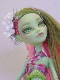 OOAK Fairy - 'Summer' - Monster High Repaint Venus de EnchantedIslandDolls en Etsy https://www.etsy.com/es/listing/236680350/ooak-fairy-summer-monster-high-repaint