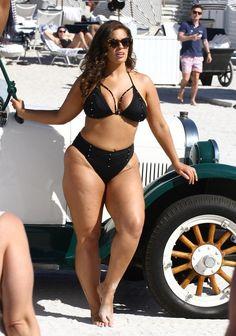 Plus Size Swimsuits – Bikini Girls