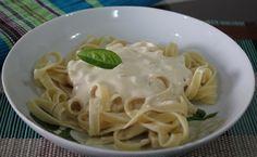O Molho Branco Cremoso é fácil de fazer e fica perfeito com macarrão ou com arroz de forno. Faça e confira! Veja Também:Molho Barbecue Caseiro Veja Também