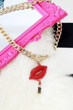Red rhinestones lip necklace