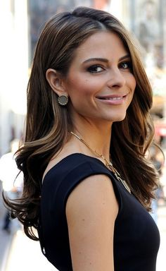 Maria Menounos Hairstyles: Side-parted Curls