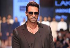Arjun Rampal on playing blind in Aankhen 2 #Bollywood #Movies #TIMC #TheIndianMovieChannel #Entertainment #Celebrity #Actor #Actress #Director #Singer #IndianCinema #Cinema #Films #Magazine #BollywoodNews #BollywoodFilms #video #song #hindimovie #indianactress #Fashion #Lifestyle #Gallery #celebrities #BollywoodCouple #BollywoodUpdates #BollywoodActress #BollywoodActor #News
