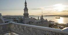 nouveau magnifique salle vue sur le fleuve et château frontenac Chateau Frontenac, Statue Of Liberty, Paris Skyline, Travel, Catering, Baby Born, Room, Trips, Liberty Statue