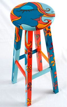 15 ideas for painted wicker furniture to decorate your home Futuristic Cool Painted Stool Inspirations Art Furniture, Painting Wicker Furniture, Whimsical Painted Furniture, Hand Painted Chairs, Painted Wicker, Hand Painted Furniture, Funky Furniture, Colorful Furniture, Upcycled Furniture