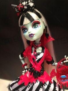 Monster High Girls.... Barbie? Barbie Who???   TC such a unique doll