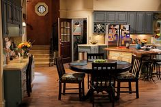 Love this kitchen from Melissa and Joey!!