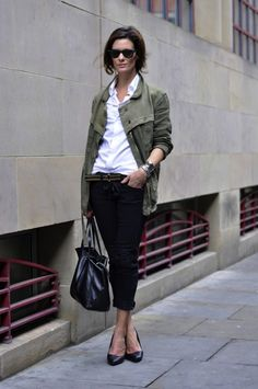 3 classic pieces: white shirt, black skinny pants, military style jacket.