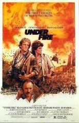 """Roger Spottiswoode, EEUU, 1983 """" Bajo el fuego"""". Encuentra este DVD en la Mediateca. DVD- Spottiswoode-BAJ"""