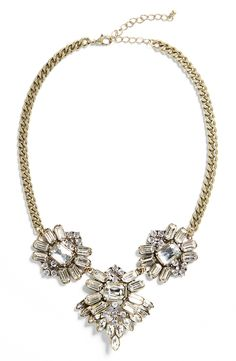 Crushing on this sparkly statement necklace that would look gorgeous when paired with a knit sweater, denim and booties.