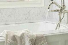 Τέλειο και πανεύκολο TIP για να αστράφτει η μπανιέρα σου! Clever Tips, Better Homes, Home Organization, Home Remedies, Cleaning Hacks, Creative Ideas, Organize, Bathtub, Diy