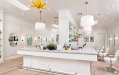 dry bar. los angeles where my bridesmaids are getting their hair did!!!
