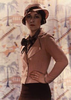 Cathleen Sabine Follett née Mann (December 31, 1896 - September 8, 1959)by Madame Yevonde, 1932