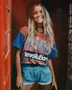 Stylish Festival Outfits For This Summer - fashion and ladies Fashion Guys, Fashion Moda, 80s Fashion, Look Fashion, Fashion Outfits, Womens Fashion, College Fashion, Fashion Ideas, Street Fashion