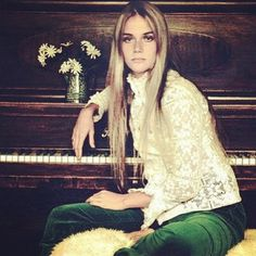 Peggy Lipton. The beautiful talented 70s flower child.