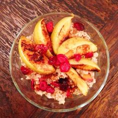 """Cran-Apple Peach Oatmeal with Honey Drizzle--found on my FAV site """"Blogilates""""!! Check it out!"""
