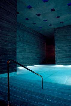 basement pool... Oooohhhh... Aaaahhhh...