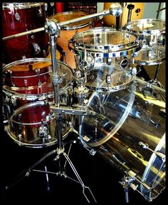 Oh how I love a good drum solo! The kind that give chills ;-)