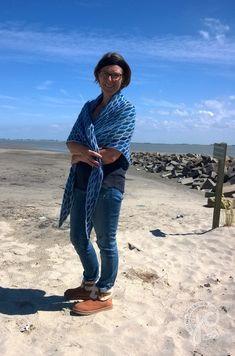 Tuch ocean blue gehäkelt ---  shawl ocean blue - crochet
