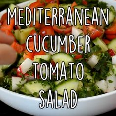 Mediterranean Cucumber Salad Mediterranean Cucumber Salad is healthy and easy to make. And this refreshing salad is naturally vegan and gluten free. It can be eaten on its own as a light meal or as a side with other summer dishes. Mediterranean Cucumber Salad, Mediterranean Diet Recipes, Mediterranean Dishes, Raw Vegan Recipes, Vegetarian Recipes, Paleo, Healthy Recipes, 7 Keto, Raw Vegan Diet Plan