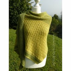 Strickanleitung Lizas Tuch Keltenwind Fashion, Ponchos, Knit Sweaters, Knitting And Crocheting, Head And Neck, Shawl, Stripes, Projects, Moda