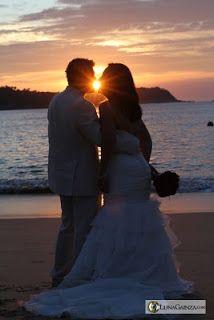 Trash the Dress al amanecer ideal para tu boda en playa por Bodas Huatulco