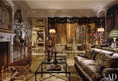 Old World grandeur pervades the living room of a Manhattan penthouse designed by Juan Pablo Molyneux; a 17th-century Coromandel screen dominates a wall. Juan Pablo Molyneux