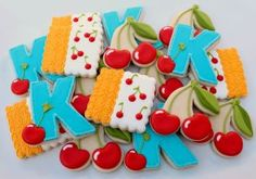 The girl is so creative with icing and cookies<3<3<3 #CherryCookies #Cookies #Cherries
