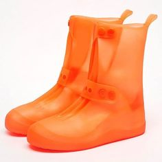 Couvre-Chaussures Imperméables – Maison Brico Rain Shoes, Get Up And Walk, Waterproof Shoes, Pvc Material, Rubber Rain Boots, Shoe Boots, Walking, Footwear, How To Wear