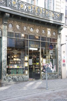 La Confiserie-Pâtisserie Méert (Lille, France) et ses incontournables gaufres. Vue de l'étalage