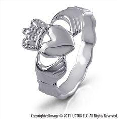 Clauddagh ring.