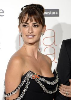 Pin for Later: Penélope Cruz Gets a Hand From Her Adoring Husband, Javier Bardem Penelope Cruze, Spanish Actress, Actrices Sexy, Javier Bardem, Indian Bollywood Actress, Salma Hayek, Star Wars, Hollywood Actresses, Indian Beauty