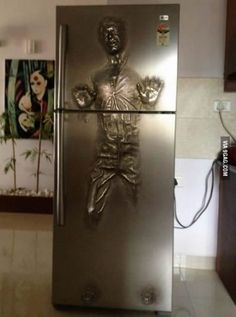 Han Solo fridge door - I WANT!!!!