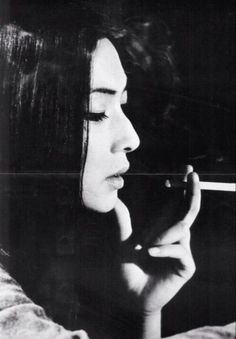 """*祝う 一服画像* 梶芽衣子(女優)1947年3月24日生まれ """" 美しい女性"""