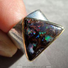 Opal - Yowah Matrix Opal 900 Gold Dreieck Ring 925 Silber - ein Designerstück von Schmuckdesign-MarenKupke bei DaWanda