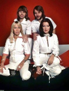 Best Of Abba, Abba Mania, Buddy Holly, 70s Music, Classic Songs, Mamma Mia, Belle Photo, Elvis Presley, Pop Group