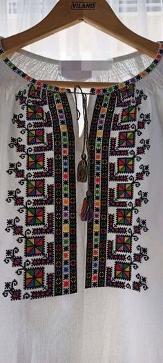 Cross Stitch Patterns, Elsa, Embroidery Designs, Blouse, Sweaters, Fashion Design, Punto De Cruz, Dots, Needlepoint