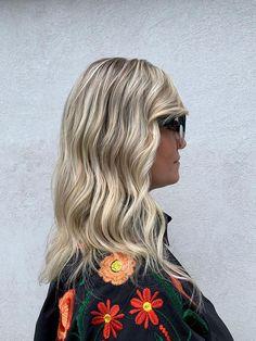 Freddo, glaciale e luminoso: è il colore di capelli più trendy dell'autunno 2019. È il momento giusto per fare una pazzia e cambiare colore di capelli scegliendo uno dei trend che spopoleranno nella stagione autunnale...#HairGarage Long Hair Styles, Beauty, Collection, Beleza, Long Hair Hairdos, Long Hair Cuts, Long Hairstyles, Long Hair Dos, Long Hairstyle