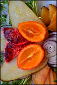 The Ardent Epicure: What's for lunch? Pear, Plum, Citrus and Red Onion Salad
