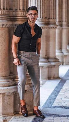 Mens Casual Dress Outfits, Summer Outfits Men, Stylish Mens Outfits, Vneck Outfit, 70s Outfits, Trendy Mens Fashion, Mens Fashion Blazer, British Mens Fashion, Men Summer Fashion