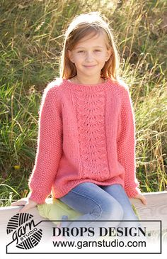 Clover - Knitted jumper for children in DROPS Air. The piece is worked top down with lace pattern and raglan.Photo above © DROPS Design I found this beautiful knitted jumper pattern on DROPS Design website. Knitted jumper for children.Where the knit Kids Knitting Patterns, Easy Knitting Projects, Jumper Patterns, Lace Patterns, Knitting For Kids, Free Knitting, Knitting Sweaters, Knitting Needles, Drops Design