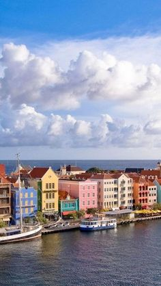 Take me *back there. I was literally standing by those buildings....ah, to go back to the beauty. (Curacao, Lesser Antilles, Caribbean Sea)