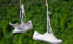 Odor removal: do you know it is possible to remove odor from shoes with natural methods? a review of the best remedies to this common nuisance.
