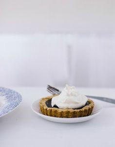 bittersweet chocolate shortbread tarts | the vanilla bean blog