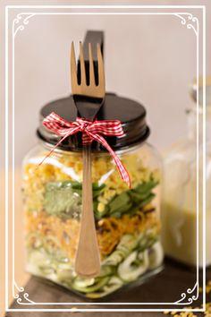 Zucchini mit Süsskartoffel auf Blattspinat mit Mungbohnen