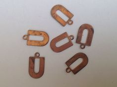 6 U shaped copper connectors ~ drops ~ charms by Hehebeads on Etsy