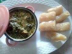 Aujourd'hui j'ai fait un tour au Congo (s) en passant par l'est Cameroun et j'ai ramené leur version de ikok. Ikok, okok, eru, koko, fumbwa, afang ou okazi (au Gabon).  Ingredients: –  feuilles de fumbwa (koko) -.  Viande de bœuf –  boules de tomate –  oignon –  patte d'arachide –  poisson fumée – Sel, piment – huile végétale ou d'huile de Palme