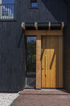 Longhouse – Boon Architecten Long House, The Doors, Best Wordpress Themes, Garage Doors, Shed, Outdoor Structures, Outdoor Decor, Home Decor, Home