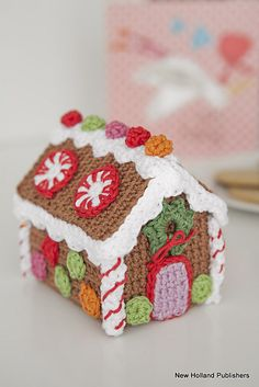 Ravelry: Christmas Crochet Gingerbread House pattern by Natalie Clegg