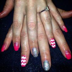 Glitter chevron pink nails nailart gel gelish shellac mani